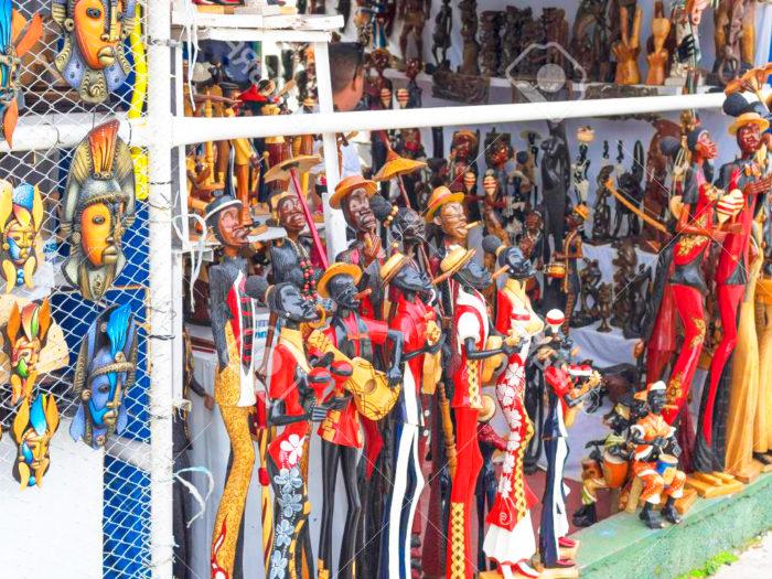 Cuba souvenir market
